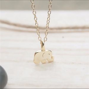 Elephant Dainty Pendant Necklace in Gold.